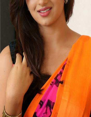 I SHALINI AGARWAL SWEET HOUSEWIFE PROVIDE ESCORT IN PRIVATELY